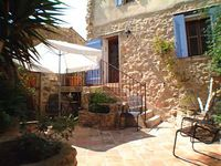 Lovely old stone property really well furnished and comfortable inside, and a nice sunny courtyard