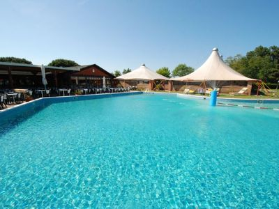 Photo for 2 bedroom Villa, sleeps 6 in Casalborsetti with Pool, Air Con and WiFi