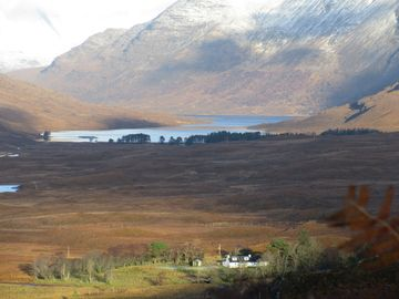 LUXURY COTTAGE IN STUNNING LOCATION, HIGHLANDS OF SCOTLAND
