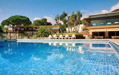 Photo for Comfy Apartment in the Heart of Costa Brava - Pool View!