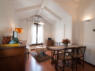 Photo for Cozy apartment close to Campo Santa Maria Formosa with a fantastic terrace