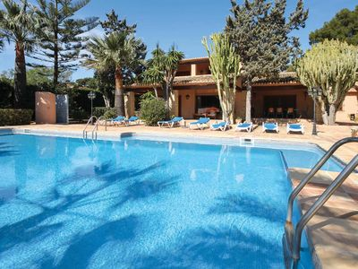 Photo for 4 bedroom Villa, sleeps 8 in La Fustera with Pool and WiFi