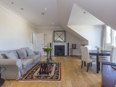 Photo for A stunning top floor apartment with balcony views over Chelsea! Sleeps 6(veeve)