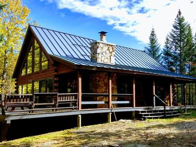Located on Loon Lake, this beautiful summer camp is a great vacation retreat for nature lovers.