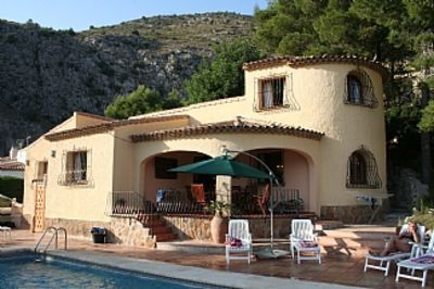 Photo for Spectacular Mountain Views and 10m Private Pool,1 Hr. Alicante or Valencia