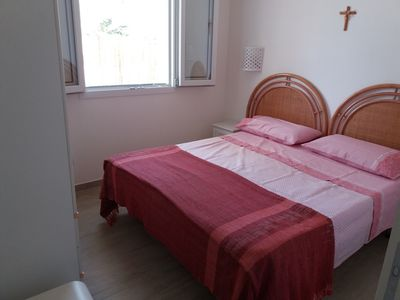 Photo for Delightful holiday home with direct access to the sea