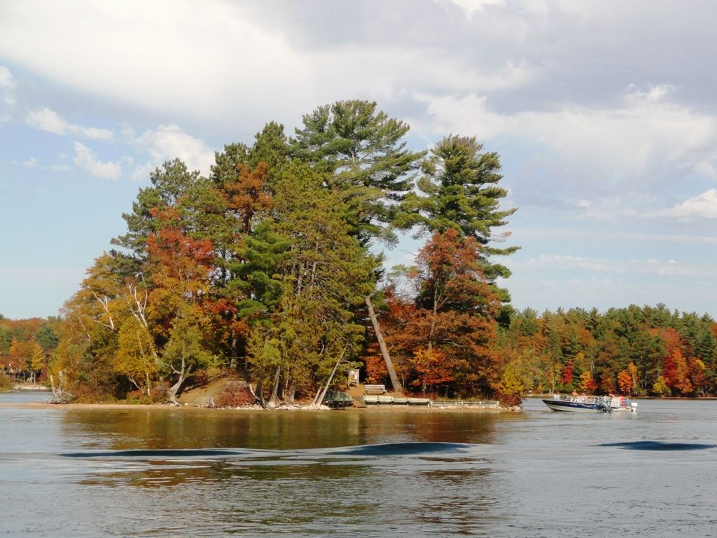 Family Fun On The Water Great Getaway On Spider Lake With