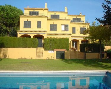 Photo for 4 bedroom Villa, sleeps 8 in Llafranc with Pool and WiFi