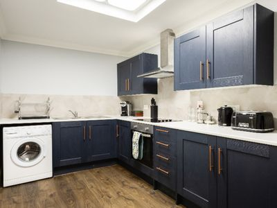 Photo for The Old Station House - Stylish & Central 2BDR Apartment