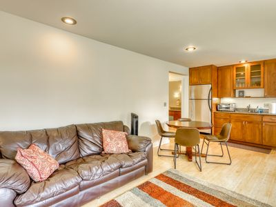 Photo for NEW! Garden-level apartment w/ jetted tub, gas BBQ grill & shared Ping-Pong!