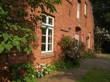 Historic country house with lots of charm and a large garden near the dyke