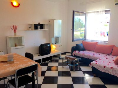 Photo for Nice accommodation Diva, Komunela-Umag, 2 bathrooms, air-conditioned, WiFi, barbecue