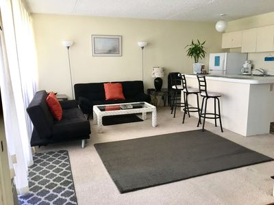 Photo for Banyan Waikiki one bedroom condo with free parking