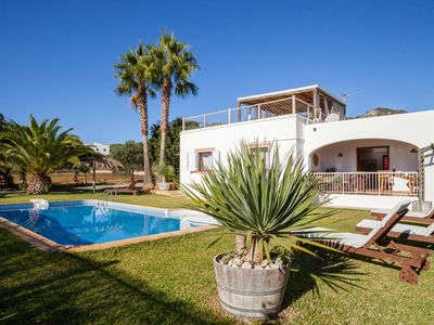 Photo for Peaceful comfortable villa at the entrance of the typical village of Es Cubells