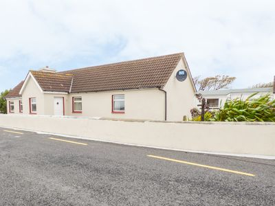 Photo for FAILTER COTTAGE in Carrigaholt, County Clare, Ref 956080