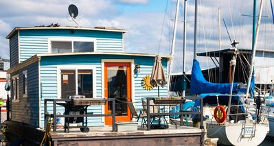 Photo for Relaxing & Picturesque Houseboat Living at the center of Seattle's Waterfront