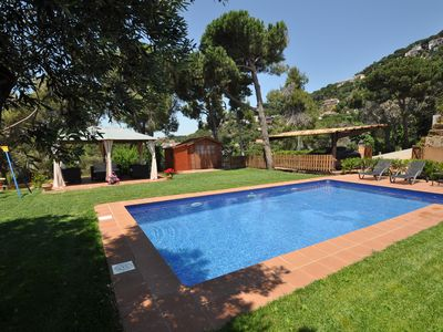 Photo for Vacation Villas - Tulipes. Large garden and pool, sea views and private