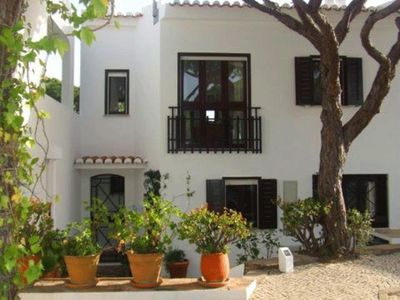 Photo for 2 bedroom Villa, sleeps 4 in Vale do Lobo with Air Con and WiFi