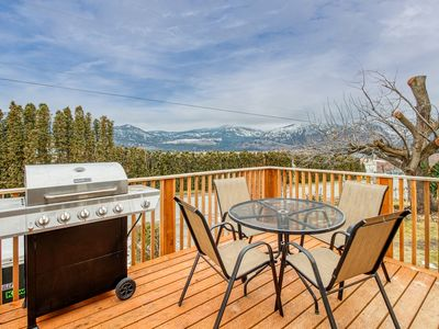 Bright & modern top-floor studio w/ deck & partial lake views - near town & lake