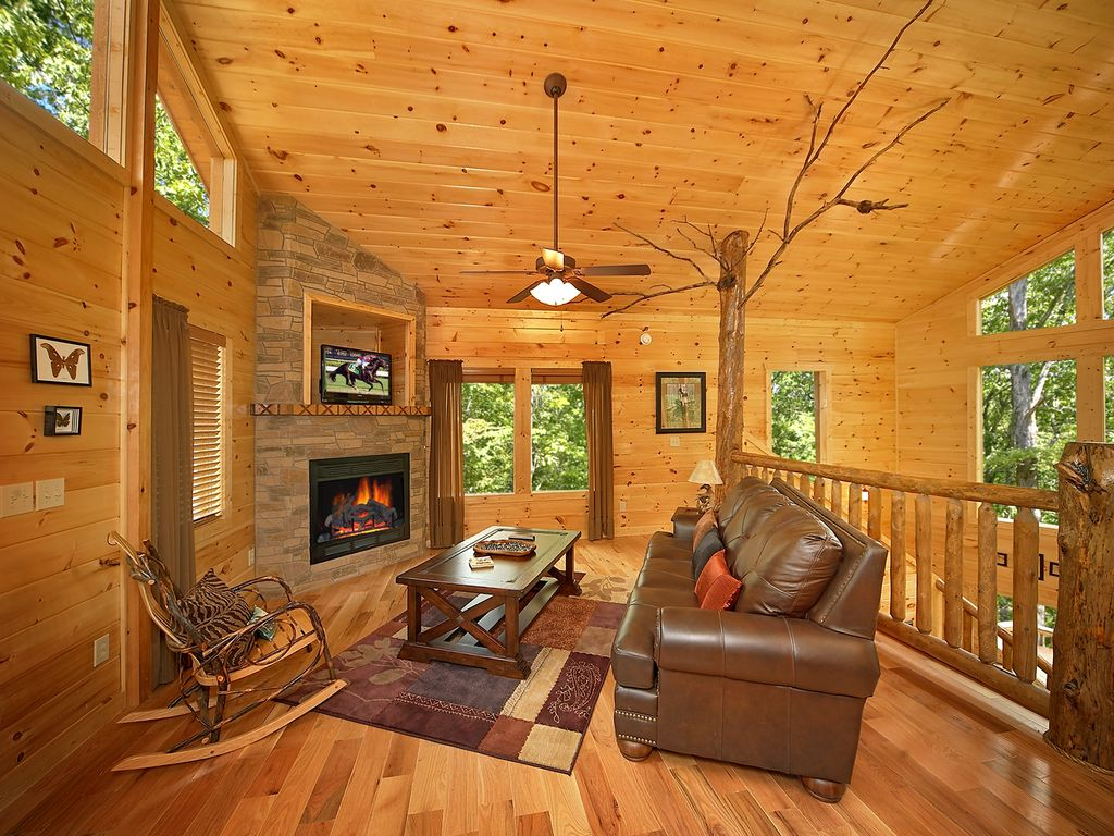 Luxury 2 Bedroom Gatlinburg Cabin With 18 Foot Rain Shower Pittman Center Tennessee
