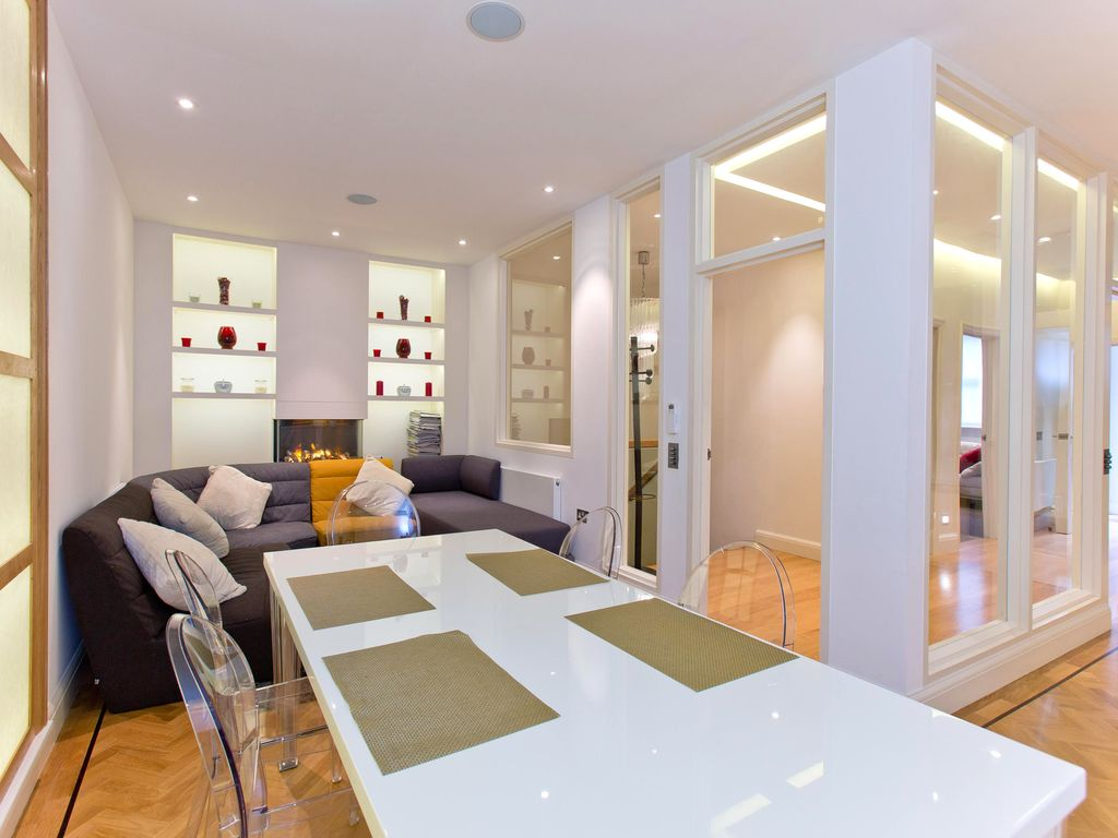 Modern and Spacious 3 Bedroom Apartment in South Kensington - Air Conditioning