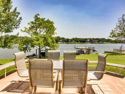 Photo for Charming lakefront home w/ private dock - close proximity to Kingsland