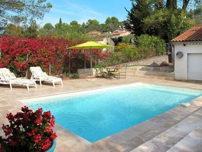 Photo for 5 bedroom Villa, sleeps 11 in Taradeau with Pool and WiFi