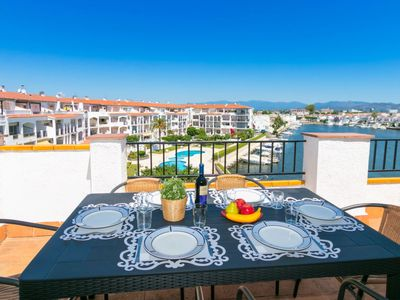 Photo for 3 bedroom Apartment, sleeps 6 in Empuriabrava with Pool