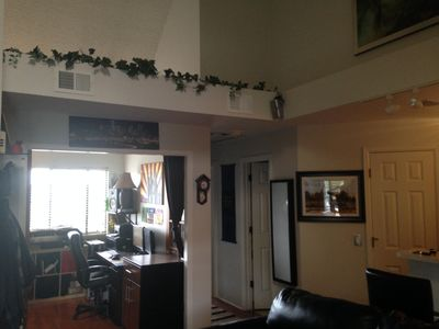 Photo for Cozy Modern Condo w Vaulted Ceilings in Glendale (CENTRAL AC)