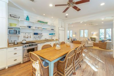 Dine in kitchen with view to living area