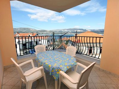Photo for Three bedroom apartment with terrace and sea view Mastrinka (Čiovo)