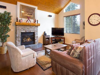 Photo for Spacious townhome w/ private hot tub, WiFi, parking- family friendly