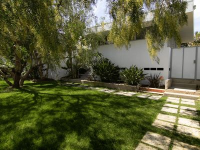 Photo for A super spacious natural oasis minutes from downtown