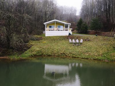 Photo for Cozy, updated mountain paradise near Boone