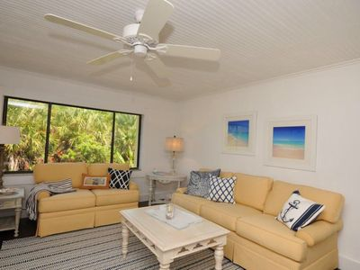 Photo for Siesta Key Condo near Crescent Beach and Trolley