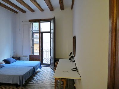 Photo for Cozy studio apartment with balcony in Barri Gòtic