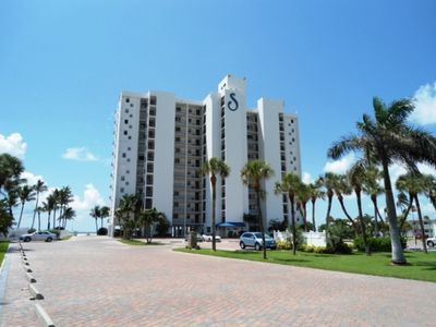 Photo for Beautiful Vacation Island Condo at Sunset Resort Condos! Direct Gulf View! Right On Beach!