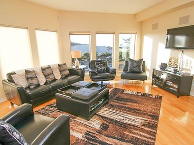 Photo for Beautiful Modern Condo with Ocean Views in the Heart of Yachats!