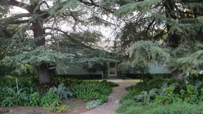 Photo for Contemporary Home On 1/2 Acre In The Middle Of Fresno