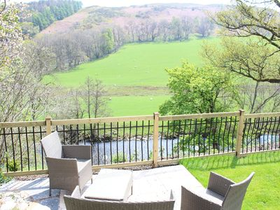 Photo for Tranquil cottage in quiet hamlet 3 miles from Llangollen & 2 mins from local pub