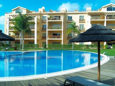 Photo for Vilamoura Apartment, Sleeps 4 with Pool and Air Con