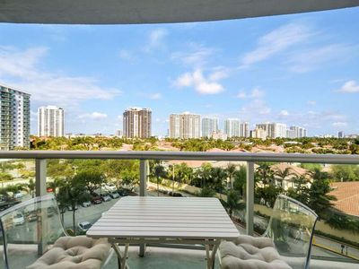 Photo for Trendy 1 BR on Sunny Isles - One Bedroom Apartment, Sleeps 4