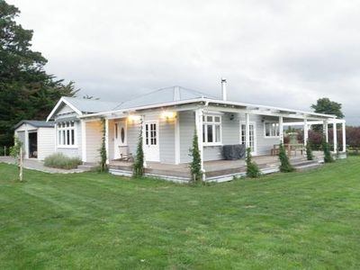 Photo for BEAUTIFULLY RENOVATED 1920'S COTTAGE