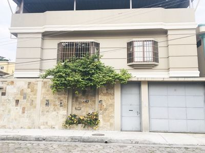 Photo for Luxury House 10 minutes from Airport