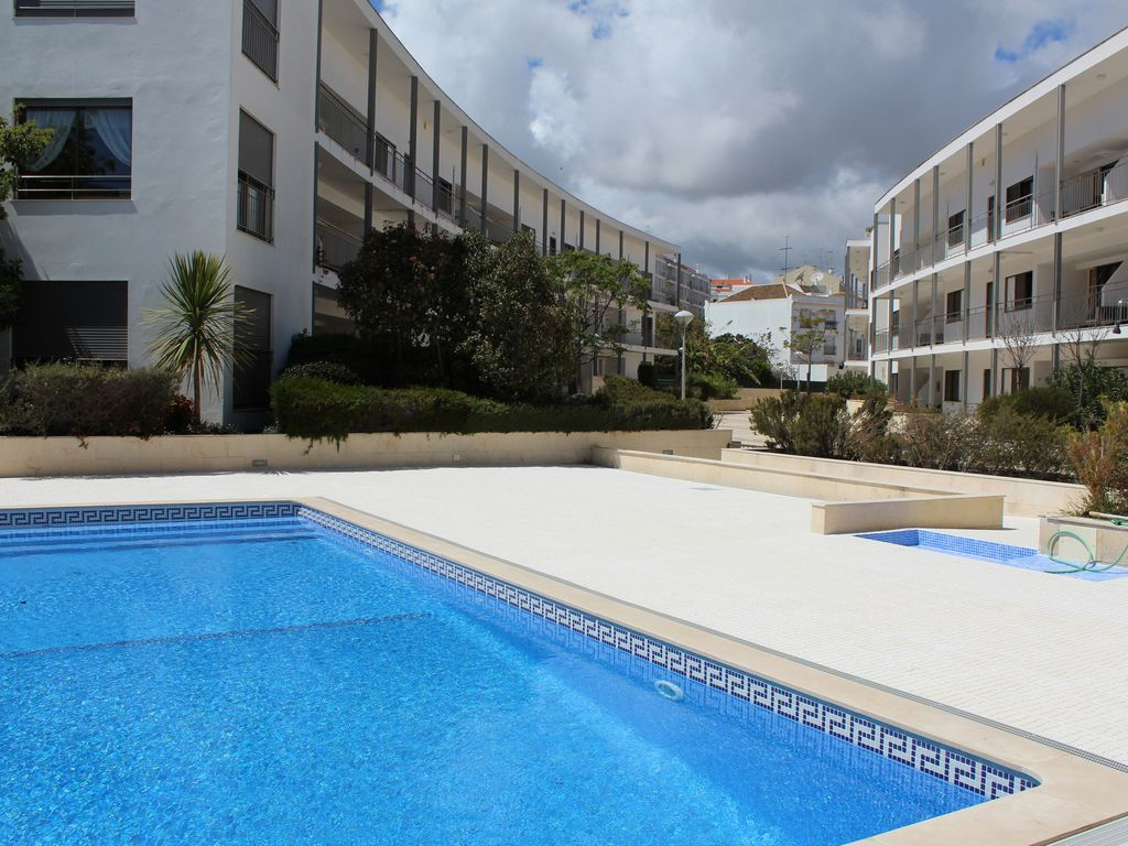 Two bedroom apartment tavira piscine internet et la for Piscine internet