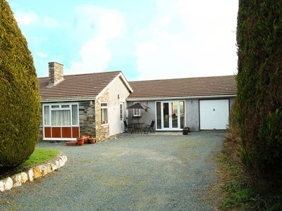 Photo for Bungalow near Port Isaac and Boscastle,  2 dogs welcome, stroll to pu