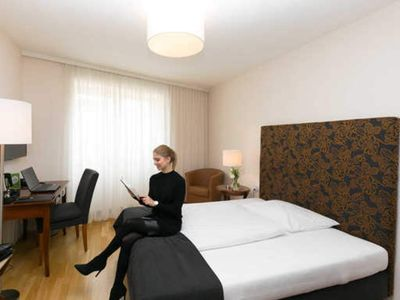 Photo for Single room comfort - City hotel to the golden crown