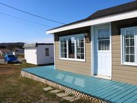 Nice cottage close to park, cafe, and convenience store