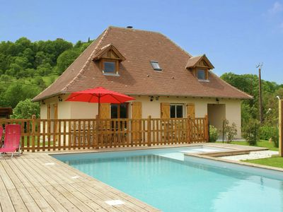 Photo for Modern holiday home with private pool, near the famous gouffre de Padirac.