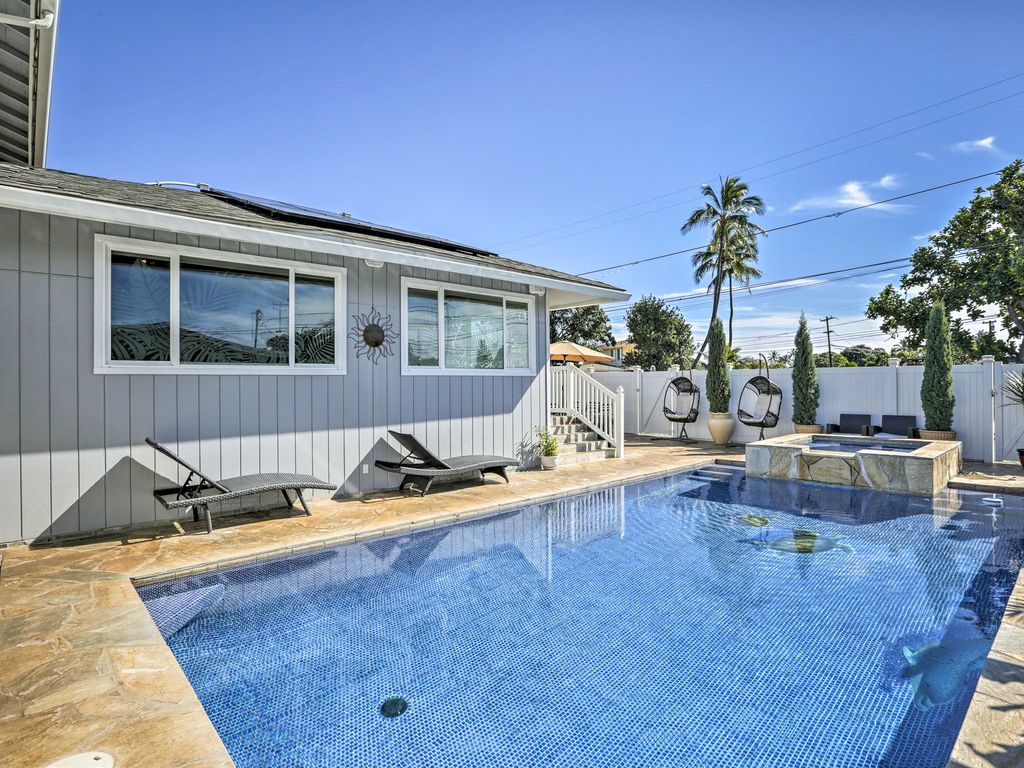 Have The Ultimate Hawaiian Escape At This Ewa Beach Vacation Rental Home With  Bedrooms And
